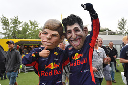 Max Verstappen, Red Bull Racing caricature and Daniel Ricciardo, Red Bull Racing caricature