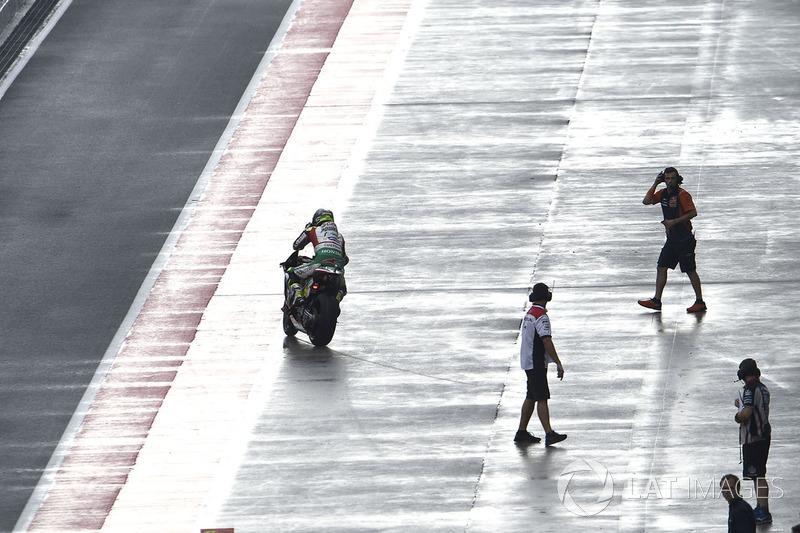 Cal Crutchlow, Team LCR Honda, pit lane