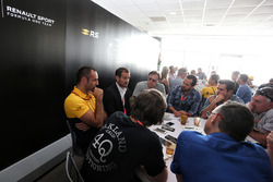 Tommaso Volpe, INFINITI Global Director of Motorsport and Cyril Abiteboul, Renault Sport F1 Managing