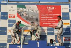 Podio Gara 1: il vincitore Matteo Zucchi, Seat Motor Sport Italia, il secondo classificato Giovanni Altoè, Seat Motor Sport Italia, il terzo classificato Sandro Pelatti, Seat Motor Sport Italia, festeggiano