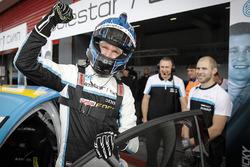 Ganador de la pole Nicky Catsburg, Polestar Cyan Racing, Volvo S60 Polestar