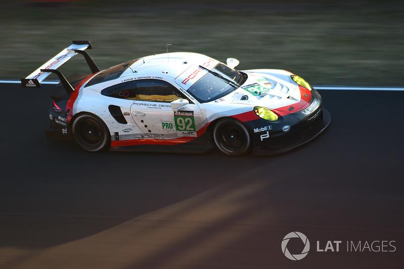 №92 Porsche Team Porsche 911 RSR: Микаэль Кристенсен, Кевин Эстре, Дирк Вернер – авария