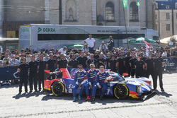 №27 SMP Racing Dallara P217 Gibson: Михаил Алешин, Виктор Шайтар, Сергей Сироткин