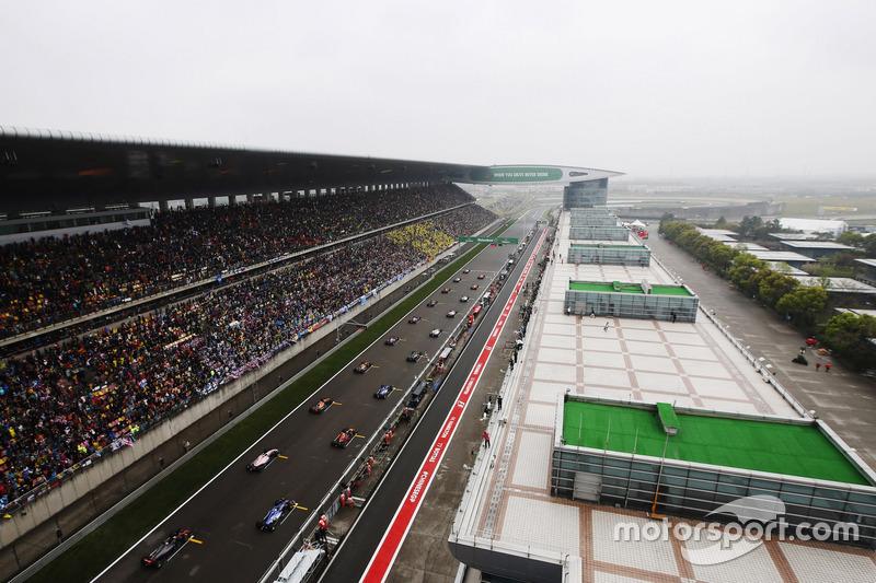 Rennstart beim GP China in Shanghai