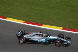 Lewis Hamilton, Mercedes-Benz F1 W08, mit Halo