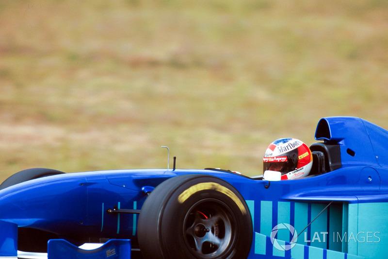 Michael Schumacher prueba el Sauber Petronas C16 para ayudar al equipo suizo con información para el desarrollo