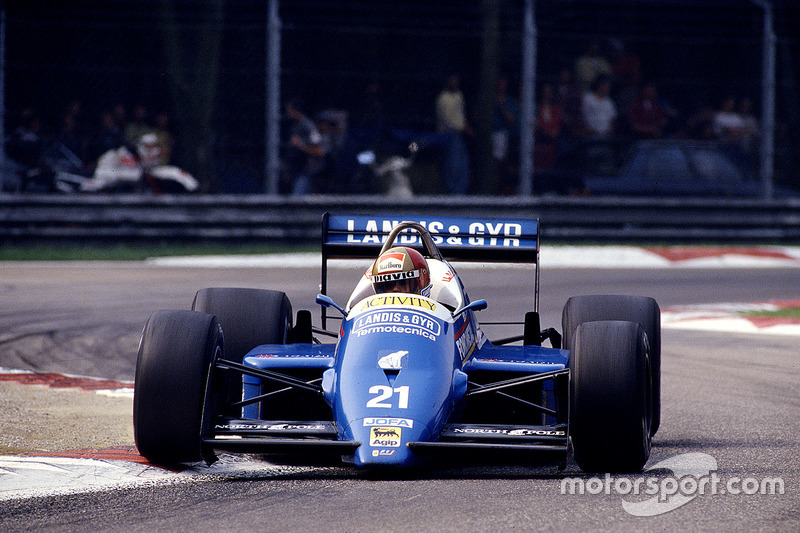 #21: Alex Caffi, Osella FA1G, Alfa Romeo