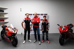 Chaz Davies, Ducati Team; Ernesto Marinelli, Ducati, Projektleiter Superbike; Marco Melandri, Ducati Team