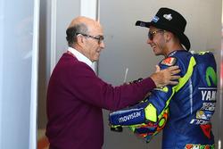 Carmelo Ezpeleta, CEO de Dorna Sports, Valentino Rossi, Yamaha Factory Racing