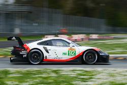 №92 Porsche Team Porsche 911 RSR: Микаэль Кристенсен, Кевин Эстре