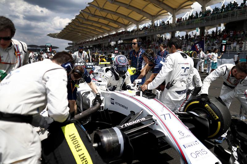 Valtteri Bottas, Williams, arrives on the grid