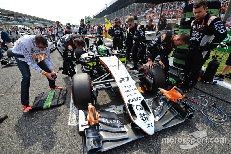 Nico Hulkenberg, Sahara Force India F1 VJM09 on the grid