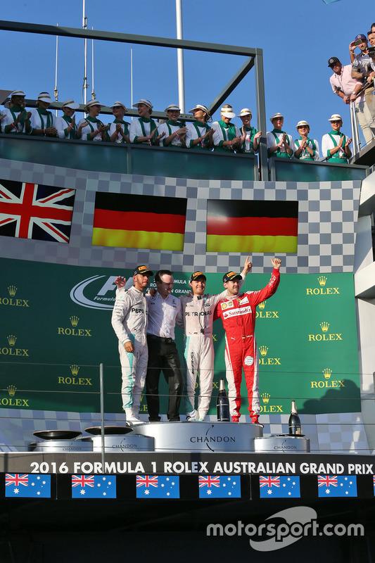 Podium: winnaar Nico Rosberg, Mercedes AMG F1 Team, tweede Lewis Hamilton, Mercedes AMG F1 Team, derde Sebastian Vettel, Ferrari