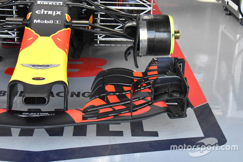 Daniel Ricciardo, ala delantera del Red Bull Racing RB14