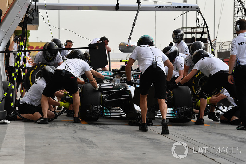 Valtteri Bottas, Mercedes-AMG F1 W09 EQ Power+ pit stop