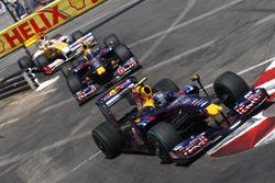Sebastian Vettel, Red Bull Racing RB5 leads Mark Webber, Red Bull Racing RB5 and Fernando Alonso, Renault F1 Team R29