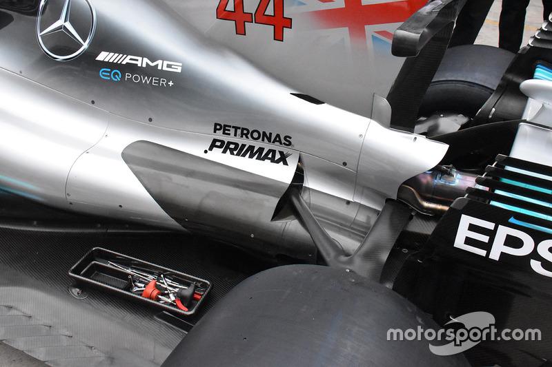 Mercedes W08: Kühlung