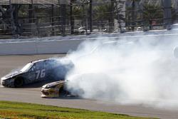 Crash Spencer Boyd, SS-Green Light Racing Chevrolet Camaro, Daniel Hemric, Richard Childress Racing Chevrolet Camaro