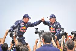 1. Carlos Sainz, Lucas Cruz, Peugeot Sport