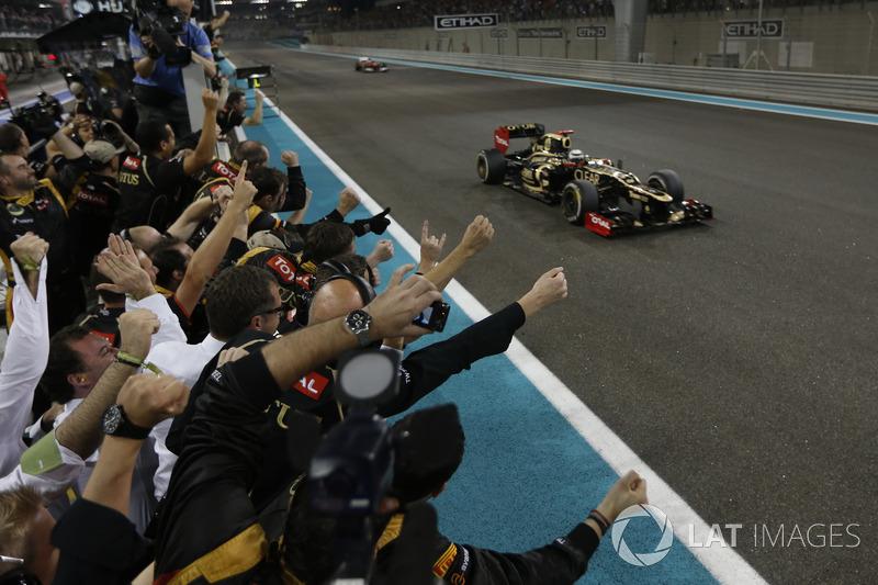 Ganador de la carrera Kimi Raikkonen, Lotus F1 Team E20