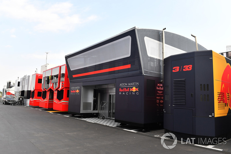 Motorhome Red Bull Racing