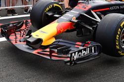 Red Bull Racing RB14 nariz y ala delantera