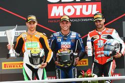 Podium SSP: ganadorSandro Cortese, Kallio Racing, segundo lugar Jules Cluzel, NRT, tercer lugar Raffaele De Rosa, MV Agusta Reparto Corse by Vamag