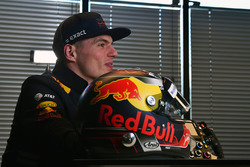 Max Verstappen, Red Bull Racing y su casco