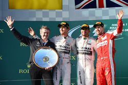 Podium: Thomas Weber, Member of the Board of Management of Daimler AG Group Research & Mercedes-Benz Cars Development, second place Nico Rosberg, Mercedes AMG F1, Race winner Lewis Hamilton, Mercedes AMG F1, third place Sebastian Vettel, Ferrari