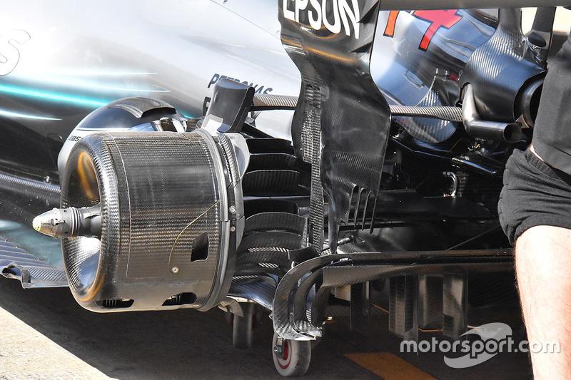 Mercedes AMG F1 W09 rear brakes