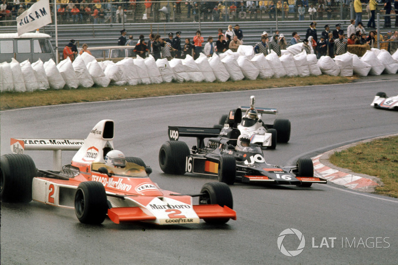 Jochen Mass,McLaren M23 Ford ve Tom Pryce, Shadow DN5A Ford