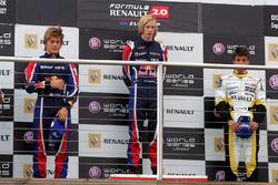 Подиум: победитель Брендон Хартли, Epsilon Red Bull Team, второе место – Стефано Колетти, Epsilon Euskadi, третье – Нельсон Панчатиачи, Boutsen Energy Racing