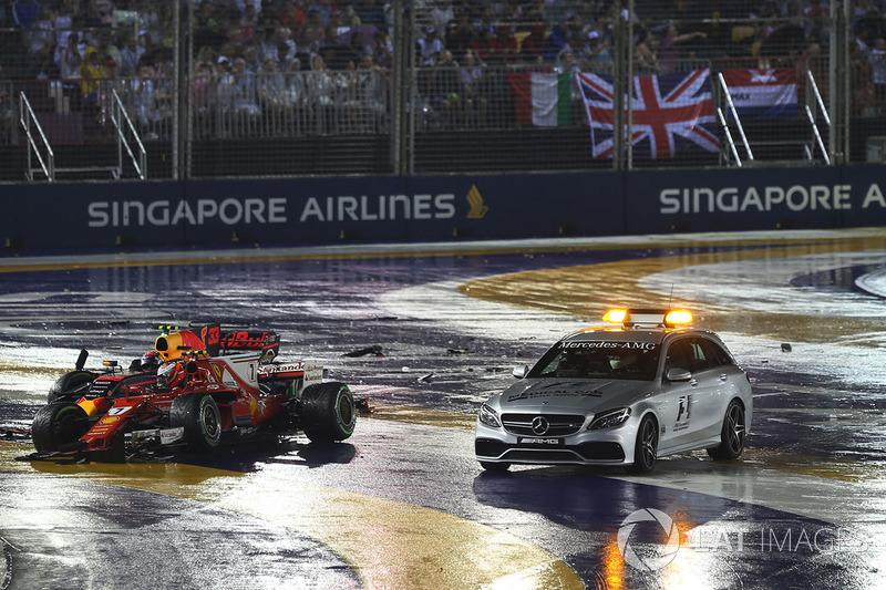 Макс Ферстаппен, Red Bull Racing RB13, Кімі Райкконен, Ferrari SF70H, медичний автомобіль