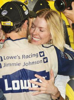 2016 Champion and race winner Jimmie Johnson, Hendrick Motorsports Chevrolet with wife Chandra