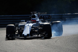 Luca Ghiotto, Williams FW40 locks up