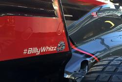 Haas VF-17: Heckflügel mit Gruß an Billy Monger