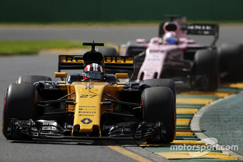 Nico Hülkenberg, Renault Sport F1 Team RS17; Sergio Perez, Force India VJM10