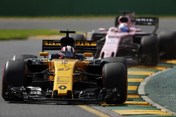 Nico Hulkenberg, Renault Sport F1 Team RS17, leads Sergio Perez, Force India VJM10