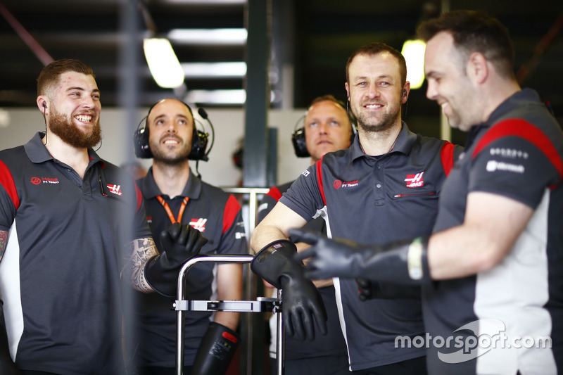 Ingenieros de Haas F1 Team