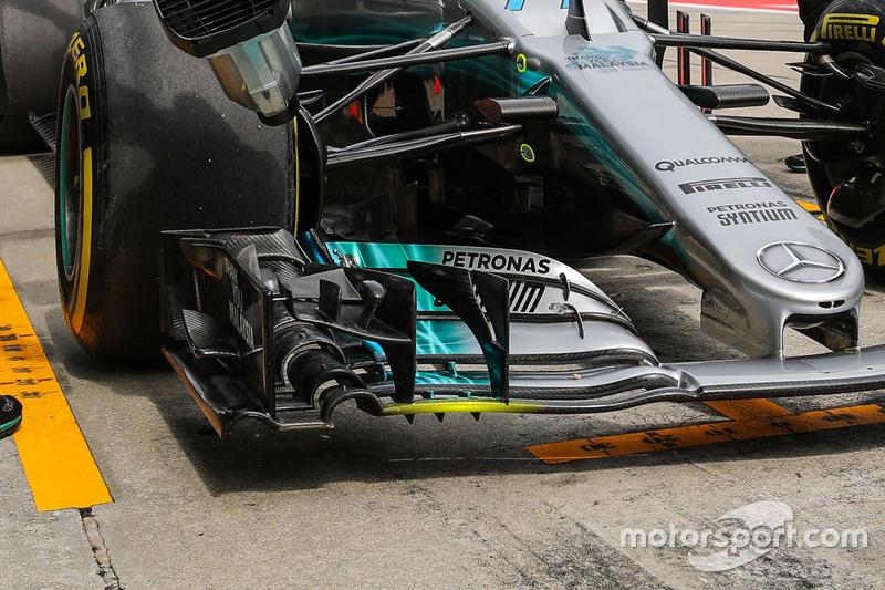 Переднє антикрило Mercedes F1 W08