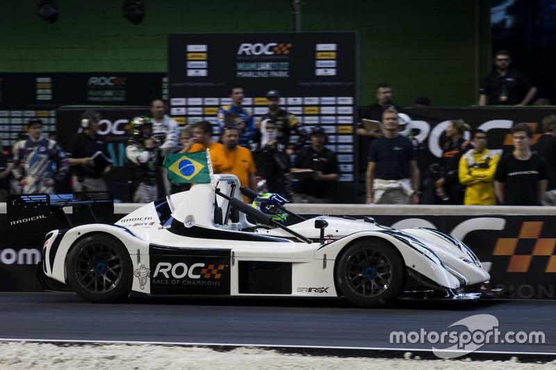 Felipe Massa, maneja el Radical SR3 RSX en la pista