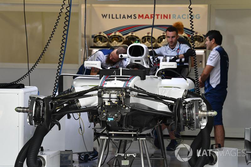 Williams FW40 en el garaje