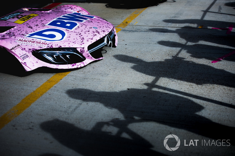 Капот машини Лукаса Ауера, Mercedes-AMG Team HWA, Mercedes-AMG C63 DTM