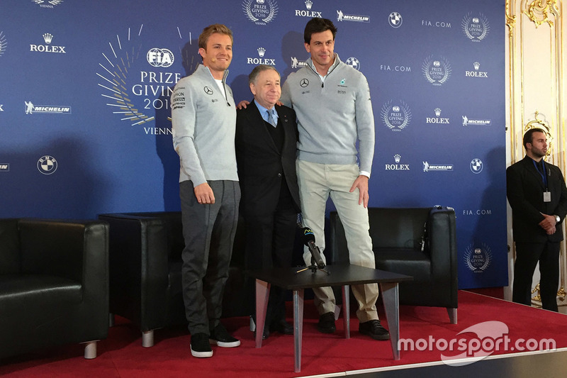 Nico Rosberg, Mercedes AMG F1, Jean Todt, FIA President and Toto Wolff, Mercedes AMG F1 Shareholder and Executive Director