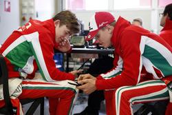 Каллус Ілотт, Prema Powerteam, Dallara F317 - Mercedes-Benz та Мік Шумахер, Prema Powerteam, Dallara F317 - Mercedes-Benz