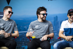 Stoffel Vandoorne, McLaren, Fernando Alonso, McLaren y Felipe Massa, Williams