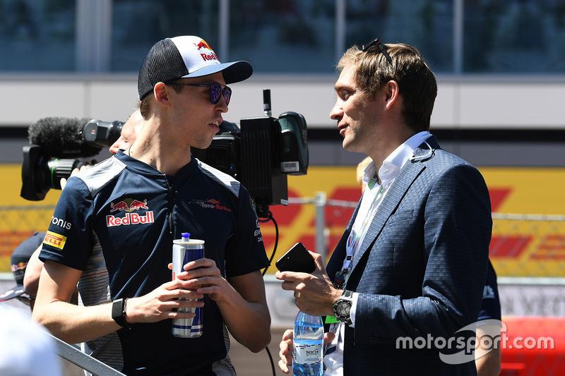 Daniil Kvyat, Scuderia Toro Rosso, Vitaly Petrov