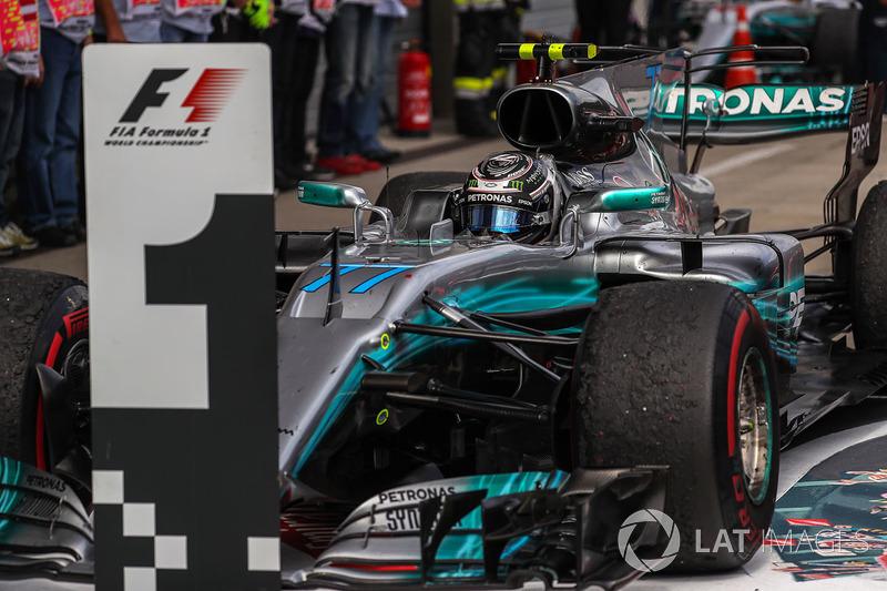 Race winner Valtteri Bottas, Mercedes AMG F1 F1 W08  arrives to celebrate in parc ferme