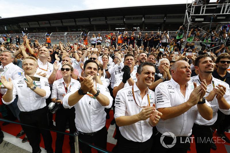 Команда Mercedes
