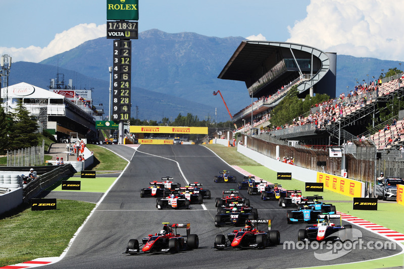 Start of the GP3 race